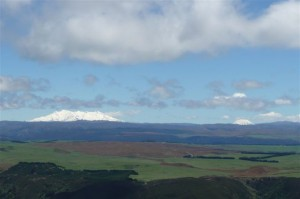 The magnificent mountains, Ruapehu and Ngauruhoe