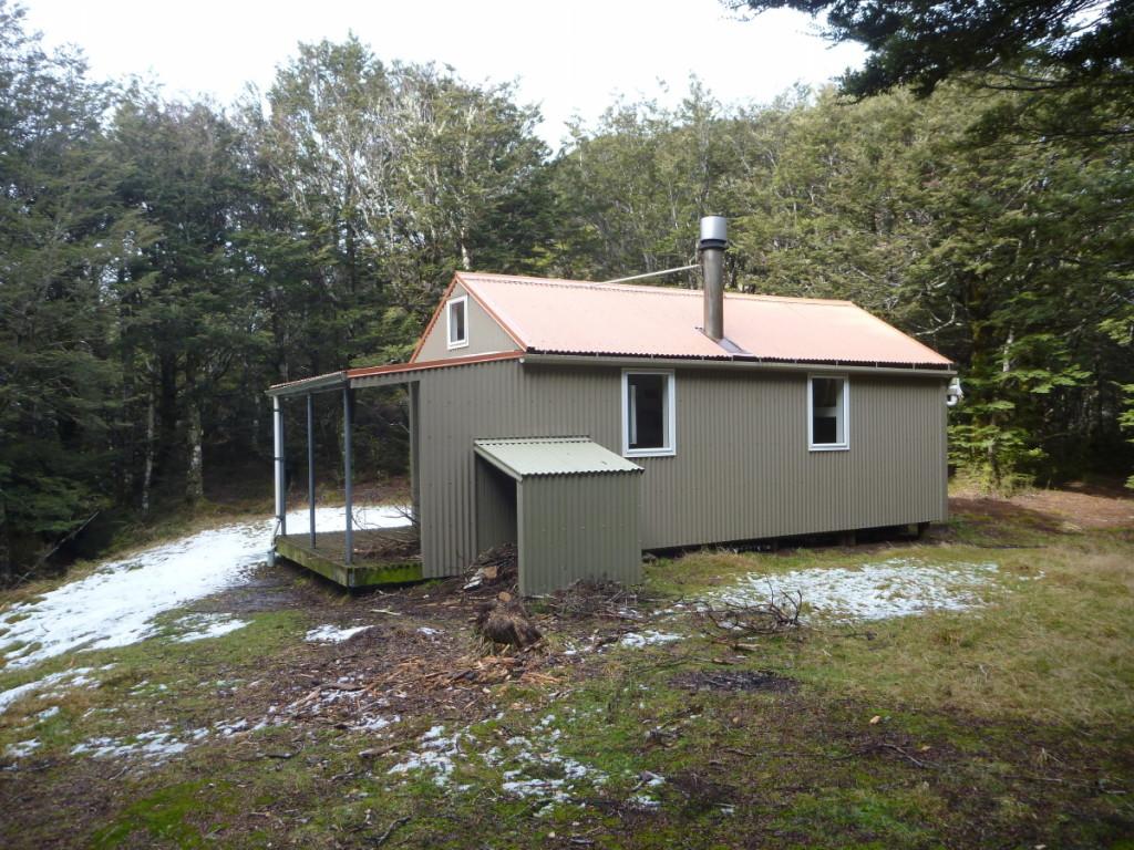 Kiwi Saddle Hut